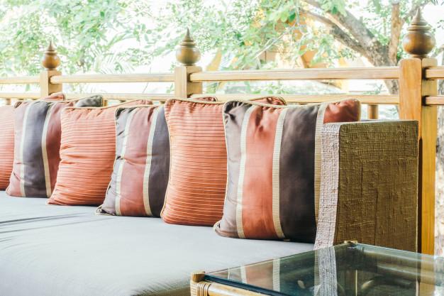 pillow-sofa_74190-3588